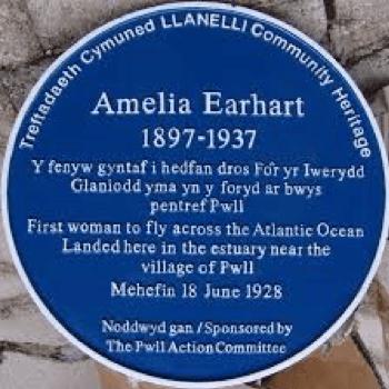 Dafydd Roberts Sir Gaerfyrddin Amelia Earheart