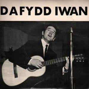 Dafydd Iawn clawr