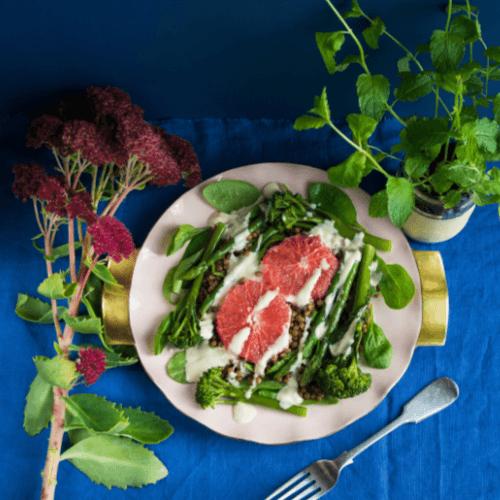 Salad bwytewch eich gwyrddion